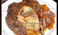 Jarret de bœuf mijoté avec des os à moelle