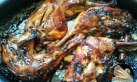 Cuisses de poulet caramélisées au jus de pomme et cannelle