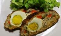 Pain de viande garni aux œufs durs