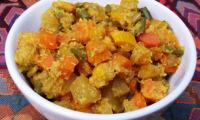 Courgettes jaunes et patates douces aux épices et à la noix de coco, façon aviyal