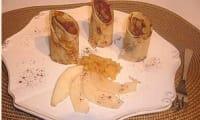 Crêpes fourrées mousse chocolat, poires caramélisées façon Makis.