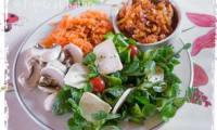 Salade à la betterave au chorizo et au crottin de Chavignol
