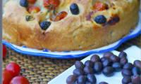 Focaccia, olives, tomates cerise