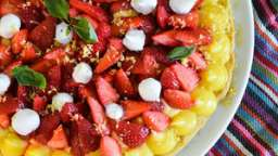 Tarte fraises, citron, basilic