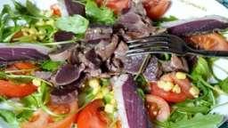 Salade de gésiers de canard confit et magret séché