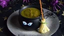 Soupe verte de la sorcière et son balai à croquer