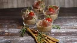 Verrines de mousse de tomates confites