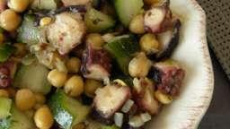 Salade de poulpes, pois chiche et concombre
