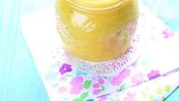 Smoothie mangue, pommes, citron, menthe, miel