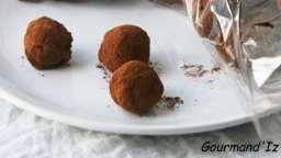Coeur de truffes au chocolat, à l'ail noir