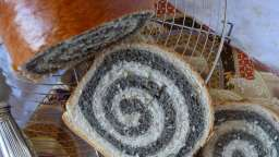 Pain spirale au sésame noir