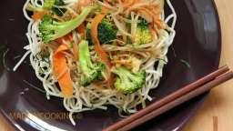 Nouilles chinoises aux légumes