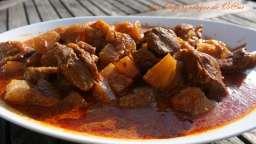 Sauté de veau au curry et aux fruits
