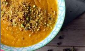 Velouté de carottes à l'orange et aux baies de la passion