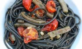 Spaghetti à l'encre de seiche et aux encornets