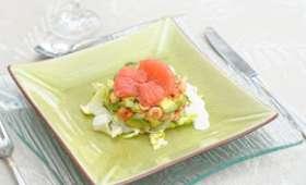 Timbale d'écrevisses au pamplemousse rose, coulis de concombre
