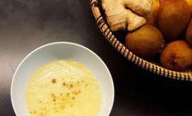 Soupe de radis noir et poireau à la cardamone