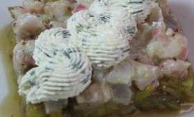 Tartare de daurade à la bergamote sur lit de poireau, chantilly à la ciboulette