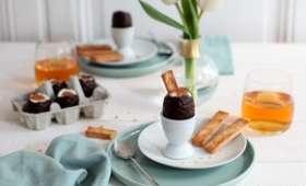 Œufs de Pâques à la mousse de noix de coco, caramel de cidre et leurs mouillettes au cidre