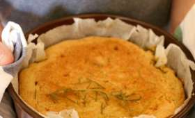 Gâteau polenta amande, citron et romarin