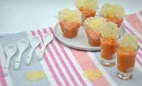 Soupe de carottes et chips d'emmental