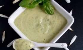 Crème de courgettes au parmesan et basilic