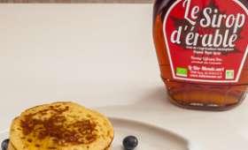 Pancakes aux myrtilles et sirop d'érable