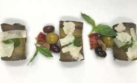 Roulés d'aubergine, parmesan, pignons de pin et Olives Apéro Antipasti