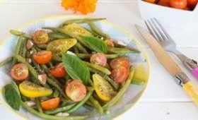 Salade de haricots verts, tomates cerises et basilic