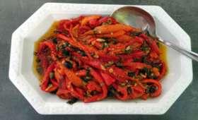 Poivrons rouges grillés aux câpres et olives