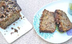 Cake à la banane, noix et graines