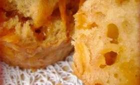 Minis cakes mimolette, cumin et pâte d'arachide