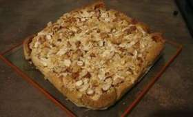 Gâteau croquant à la framboise et aux amandes