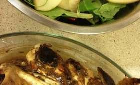 Wings de poulet grillées au curry et au miel, salade acidulée