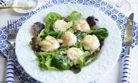 Salade légère aux saint jacques rôties
