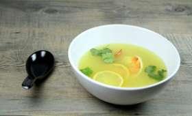Soupe thaï de crevettes au citron vert