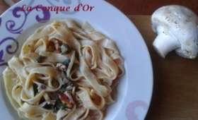 Tagliatelle à la ricotta,champignons et fenouil sauvage