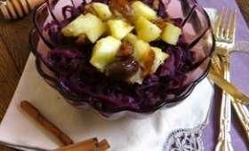 Chou rouge aux épices et poêlée de pommes vertes châtaigne