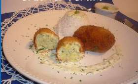 Croquettes de cabillaud, sauce citron.