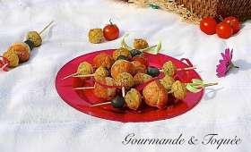 Brochettes de mini-cakes aux fromages