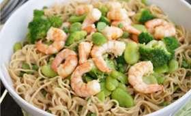Nouilles aux légumes verts et crevettes au lait de coco