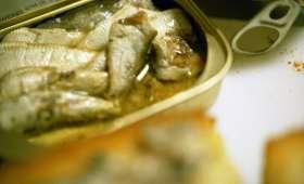 Tartinade aux sardines, beurre, citron, cornichon (Grèce)