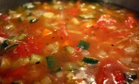 Soupe minestrone (Italie)