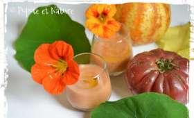 Gaspacho de concombre citron à la tomate noire et au Tabasco vert