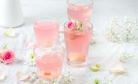 Cocktail au litchi Prosecco et eau de rose