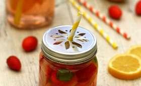 Eau aromatisée à la fraise, citron et basilic