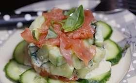 Salade de concombre à la truite fumée
