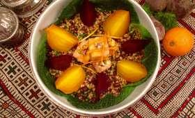 Salade tiède de betteraves rôties, halloumi pané au miel, azukis et petit épeautre