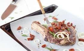 Côte de bœuf marinée aux tomates séchées et romarin