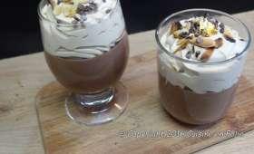 Crème liégeoise au chocolat et fève tonka, chantilly café, grué de cacao